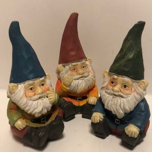 "5"" Tall Yard/Garden Sitting Gnome Lawn Ornament"